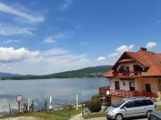 OW MEGA nad jeziorem