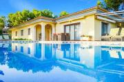Sol de Mallorca Villa Sleeps 8 with Pool Air Con and WiFi