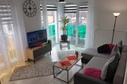 Komfortowy Nowoczesny Apartament Kustronia z Garażem Balkonem Wanną