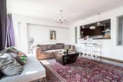 Comfortable And Charming Golden ApartmentsRondo ONZ
