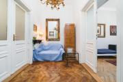 Da Vinci Antique Apartment In The Old Town