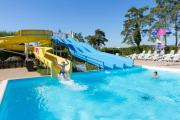 Come and spend a holiday in a mobile home at the Domaine de Dugny campsite