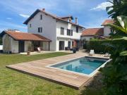 Hiru Alabak Maison à Biarritz piscine jardin 8 personnes