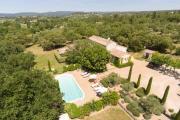 Villa Les BeaumettesFar From Gordes