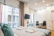 A25 Pristine Sunny flat with balcony at downtown Athens
