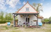 Awesome home in Nowe Warpno with WiFi and 3 Bedrooms