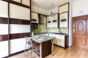Cozy And Spacious Golden Apartments City CenterGR608