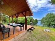 Domek nad jeziorem w Leleszkach