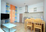 A2 apt with 2 balconies 5 min walking to beach