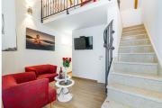 Red Queen luxury Studio