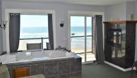 Starfish Manor Oceanfront Hotel