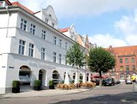 Hotel Schweriner Hof, Отели - Штральзунд