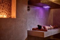 Kouros Hotel & Suites