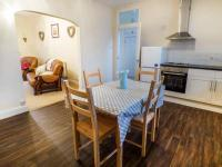 Cobblers Roost, Holiday homes - Fishguard