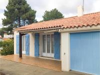 Three-Bedroom Holiday Home in La Tranche sur Mer, Holiday homes - La Tranche-sur-Mer