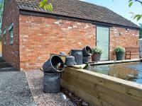 The Piggery, Holiday homes - Brent Knoll