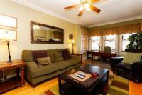 Wrigleyville beautifully furnished three bedroom #2