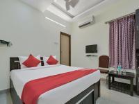 OYO 12181 Hotel Gravity, Отели - Хайдарабад