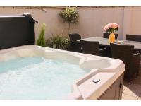 Dream Stays Bath - Trim Street