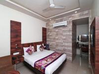 OYO 12172 Hotel Deep Premium, Hotels - Faithfulganj