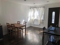 4 Rooms (4rmz)