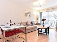 Finsbury Apartment Sleeps 4 WiFi