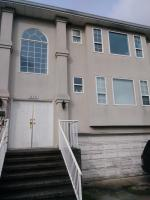 Close to Airport 3 Bedroom Home