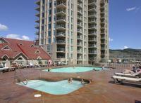 Sunset Waterfront Resort by kelownacondorentals