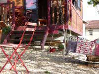 La Roulotte du Granit Doré, Case vacanze - Jullié