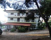 Chris Apartments
