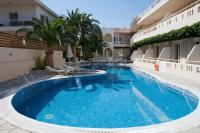 Axos, Hotel - Platanes