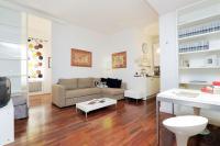 Trevi Fountain apartments