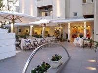 Hotel Nives, Szállodák - Riccione