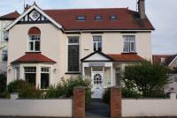 Cleave Court Guest House (B&B)