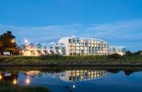 Lady Bay Resort