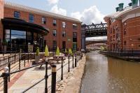 YHA Manchester (with B&B)