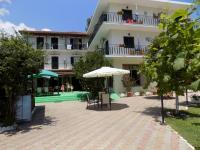Des Roses Hotel