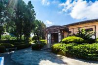 Kasan Tobang, Hostelek - Szogüpho
