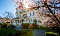 The Gatsby Mansion (Bed and Breakfast)