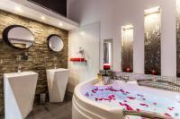 Komorowski Luxury Guest Rooms (B&B)