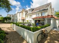 Les Douvres Hotel (B&B)