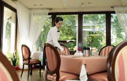noclegi Kombornia Wine Garden Hotel