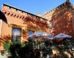 noclegi Miłomłyn Hotel Zamek Karnity