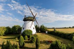 noclegi Niechorze Windmill vacation home in Ledzin near Baltic Sea