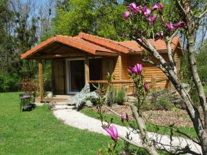 Location gîte, chambres d'hotes Chalets du pontot dans le département Saône et Loire 71
