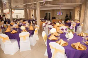 Seaside Suites and Hotel, Hotels  Freetown - big - 53
