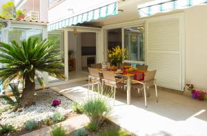 Deluxe apartment Lea with large garden