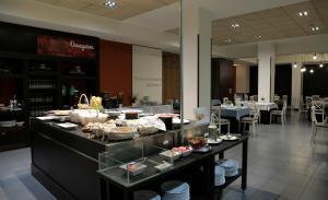 Hotel Oriente, Отели  Сарагоса - big - 25