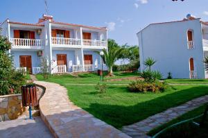 Hotel Navarone, Hotels  Petrokhorion - big - 4