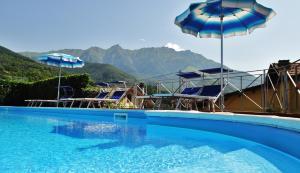 Albergo Miramonti - Hotel - Comano